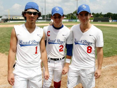 Jonas Brotheers (LL)               Jonas Brothers in my heart for always