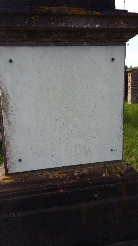 Cimetière abandonné de Lécluse