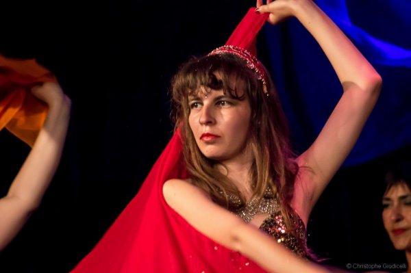 Moi même lors du gala de danse orientale // tribale fusion le 7 juin 2014 (Montpellier)