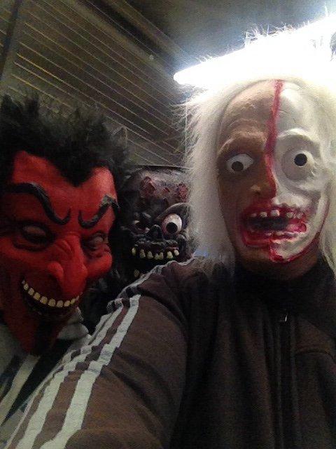 Prêt pour halloween avec les frère