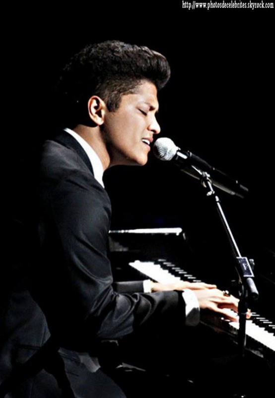 "BRUNO MARS ALBUM ""UNORTHODOX JUKEBOX"""
