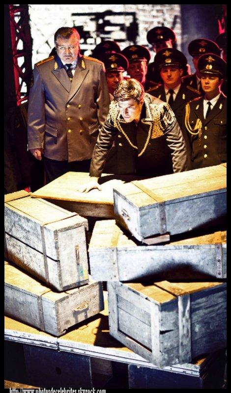 """VINCENT NICLO ET LES CHOEURS DE L'ARMEE ROUGE ALBUM """"OPERA ROUGE""""."""