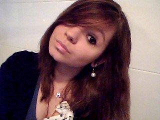 Facebook : Manon Senamaud . 16 ans . Girl ♀ . Dans les bras d'un ange ♂ ღ . Limoges . Msn & C' toou .            [ Blog hors ligne . ]