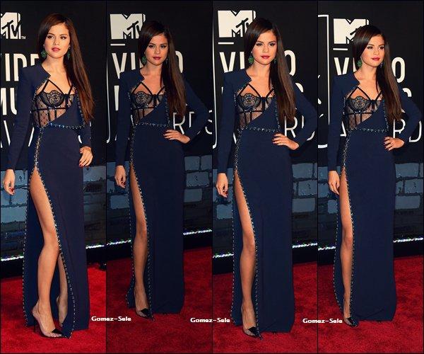 25.08.2013 : Selena était présente à la cérémonie des VMA.