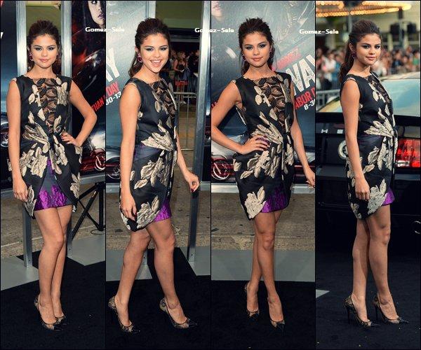 """26.08.2013 : Selena était présente à la première de """"The Getaway."""