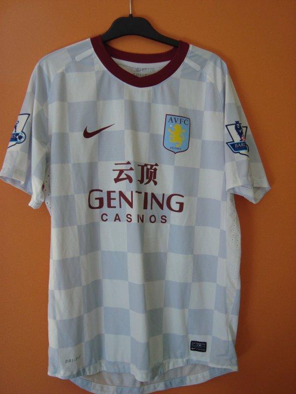 Maillot porté par Nathan Delfouneso avec Aston Villa
