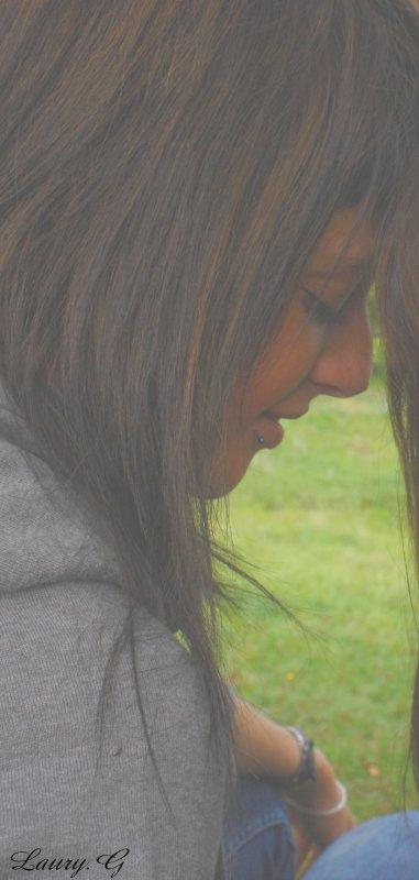 ___Et j'étais pourtant là si prés de toi ,  à anticiper le moindre de tes faux pas , à m'attendre à la moindre chute de ta part et te rattraper ,  et tu es passer à côté de moi sans même me voir ni sans même m'attendre ,  et là tu es tombé et m'a emmené au fond , avec toi.