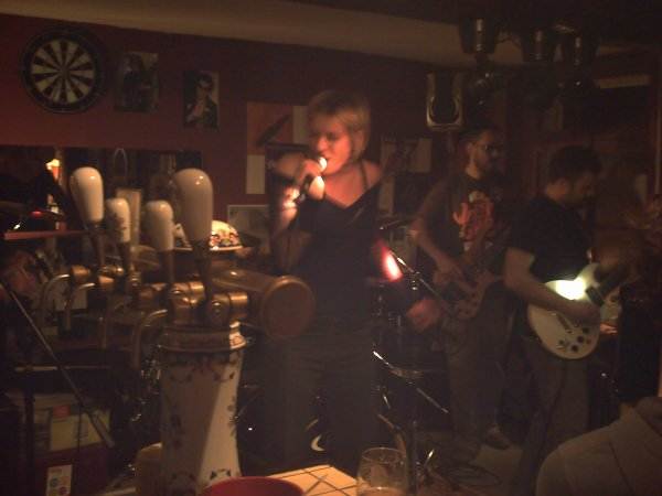 """Concert du groupe, """" Accupunkteur """", le 14 Avril, 2012."""