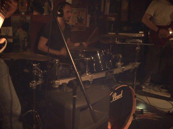 """Concert des groupes, """" Bomber, Stay Tuned, Trius, et Léguman """", le 21 Juillet, 2012."""