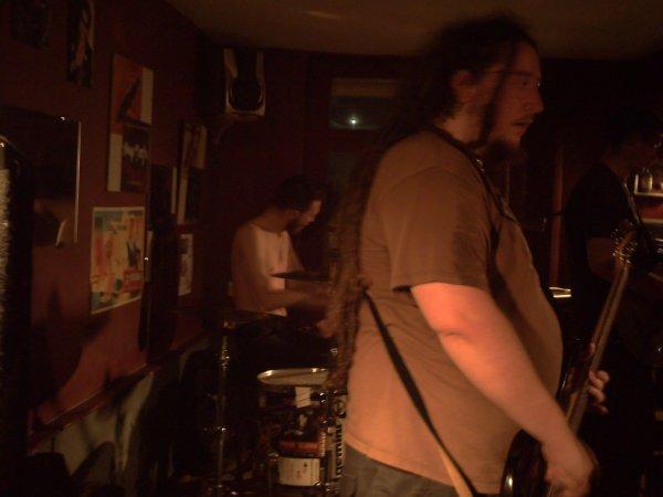 Le batteur du groupe.