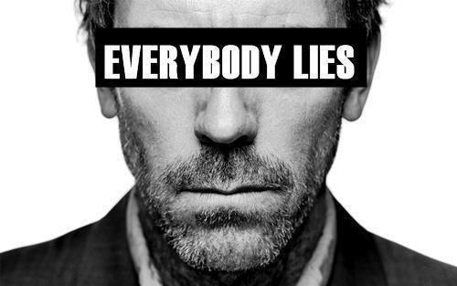 C'est dans le mensonge que la vérité commence.