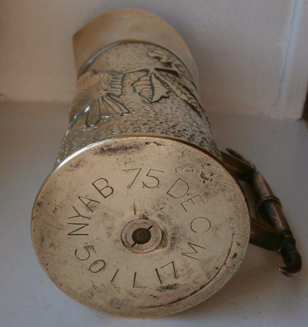 artisanat de tranchée carafe fait dans une douille d'obus ww1