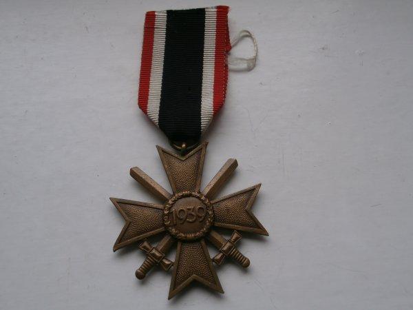 médaille Allemande  croix du mérite de Guerre de 2éme classe