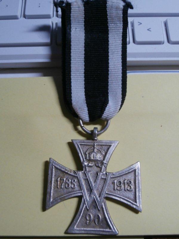 ( une de plus) médaille Allemand croix des anciens combattants