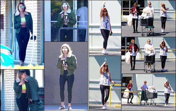 - ''•-16/03/19-' Ash Benson a été photographiée, alors qu'elle quittait un café, situé dans la ville de Los Angeles. Un peu plus tard dans l'après-midi Ashley Benson est allée faire des courses avec sa petite-amie Cara Delevingne et sa soeur dans les rues de Studio City. -