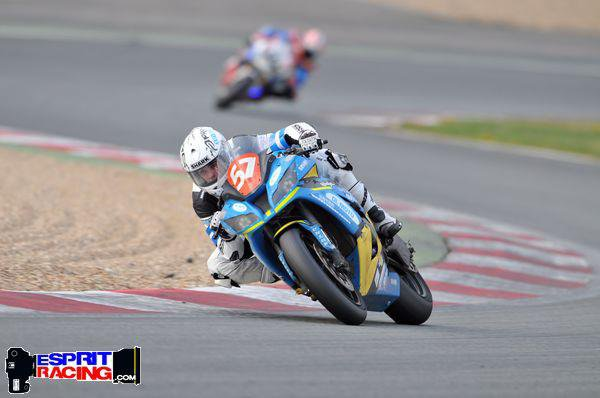 KEVIN   au Bol d'or 2012 . via  DL moto racing 57 by Kouz-1  (  VIDEO)