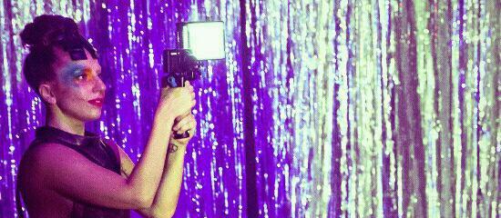 APPLAUSE- Lady GaGa : La Lyric Video