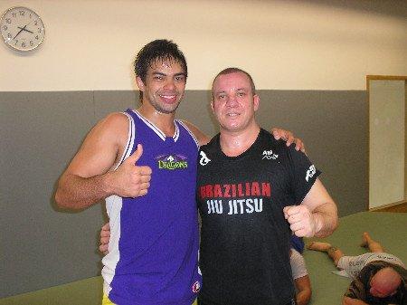 De gauche à droite : Yan Cabral (UFC) & Yazid Mezhoud notre coach JJB ...