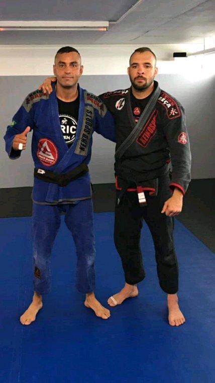 Bob Faixa Marrom (ceinture marron) le 11/04/2017 promu par Igor Araujo Gracie Barra Genève...