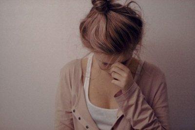 C'est à cause du poids de mes larmes que mes lèvres n'arrivent plus à sourire