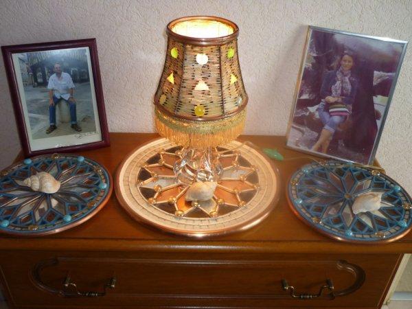 lampe de chevet avec allumettes galet de verre et vitraux cintr de cuivre blog de rolandc18. Black Bedroom Furniture Sets. Home Design Ideas