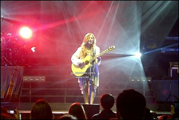 . Le 03/05/12/. Demi fait un concert, au Mexique, elle as donné rendez-vous à tout ses fans à Monterrey.