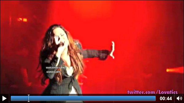 """. La chaine MuchMusic à réalisé un nouveau reportage sur Demi intitulé """" Born to be : Demi Lovato """"."""