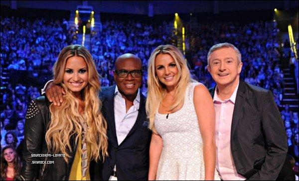. Le 08/06/12/. Demi, étant jury de X-Factor, était présente lors des auditions, à Kansas City.TOP ou FLOP pour la tenue de Demi ?.