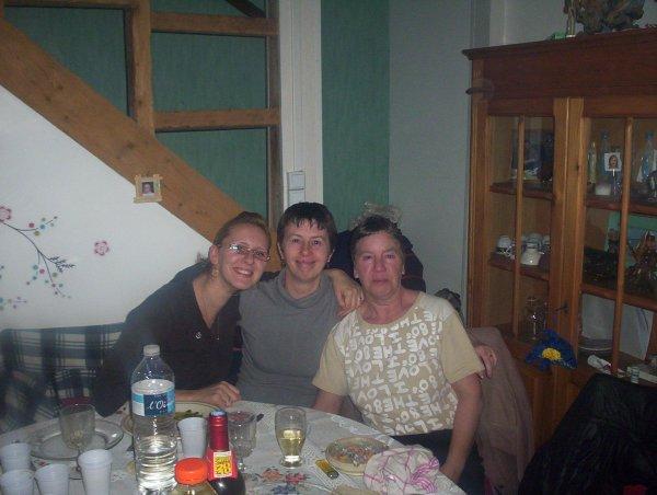 la fille Émilie ma femme et mes amis
