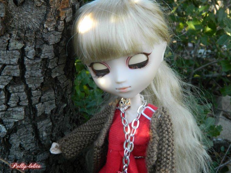 Gwendoline en forêt (1)