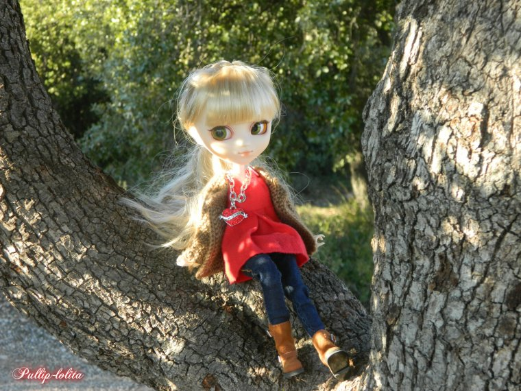 Gwendoline en forêt (2)