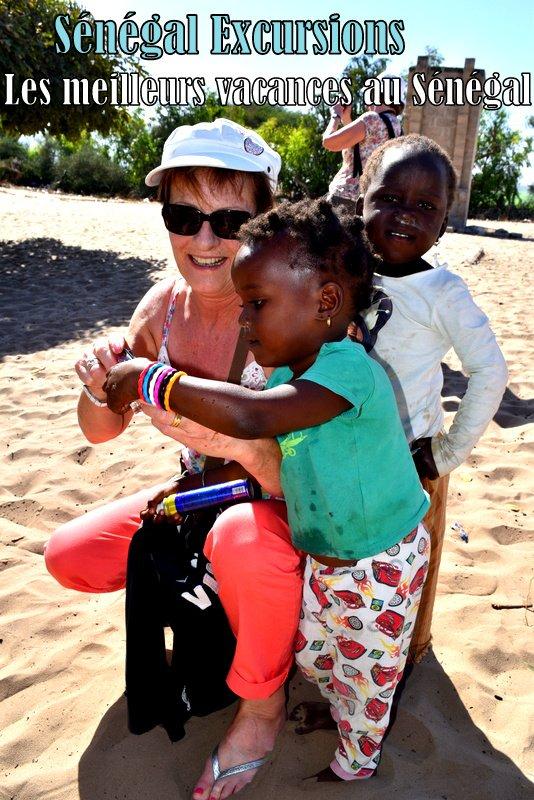 JOURNEE LAC ROSE SENEGAL EXCURSIONS AU DEPART DE LA SOMONE SENEGAL ROYAL BAOBAB AFRICA QUEEN