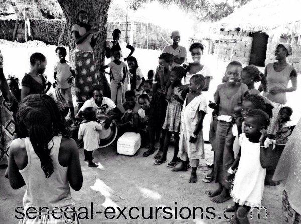 une decouverte extraordinaire des villages sérere et au  coeur de la brousse avec nos amis de l'hotel filaos look voyage et l'hotel baobab horizon jet tour, merci de votre confiance a Sénégal excursions