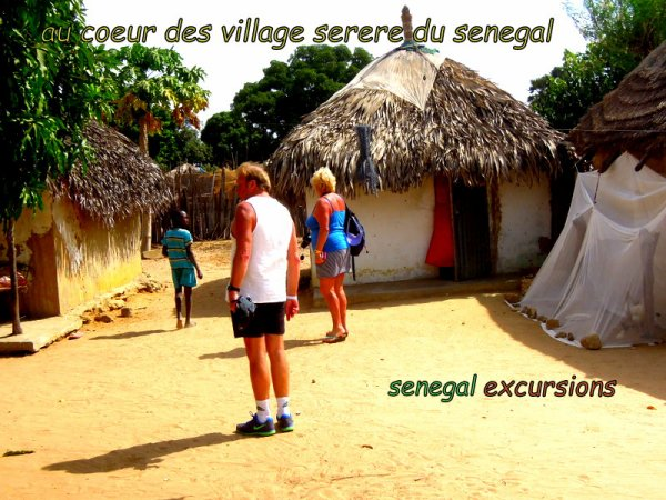 au depart de la somone avec nos amis de l'hôtel royal baobab pour une très belle journée découverte et solidaire dans le sine et le saloum qui n'ont pas su résisté a la danse de ventilateur