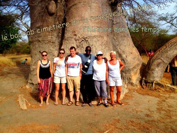 au depart de la somone avec nos amis de l'hôtel royal baobab pour une très belle journée combinée de la reserve de bandia/lac rose.