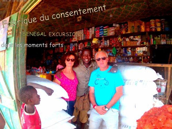 au depart de la somone avec nos amis de l'hôtel royal baobab pour une très belle journée découvert de la brousse et des villages dans le sine et le saloum