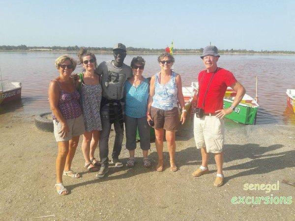 au depart de la somone avec nos amis de l'hôtel royal baobab pour une très belle journée combinée lac rose/gorée. Merci de faire SENEGAL EXCURSIONS une entreprise de famille