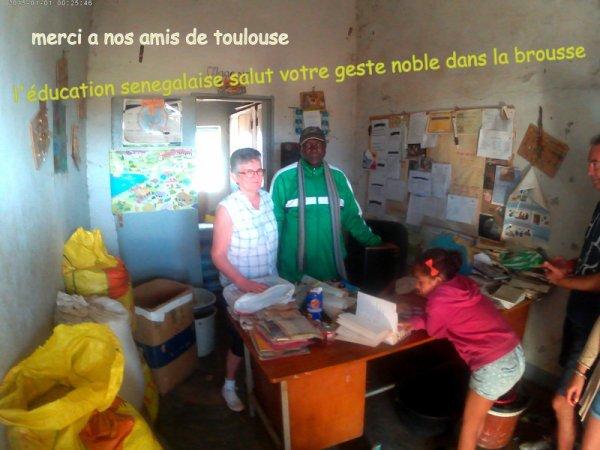 au depart de la somone avec nos amis de l'hôtel royal baobab pour une journée découverte brousse et village dans le saloum et l'arrivé des pécheurs. Merci aux toulousains