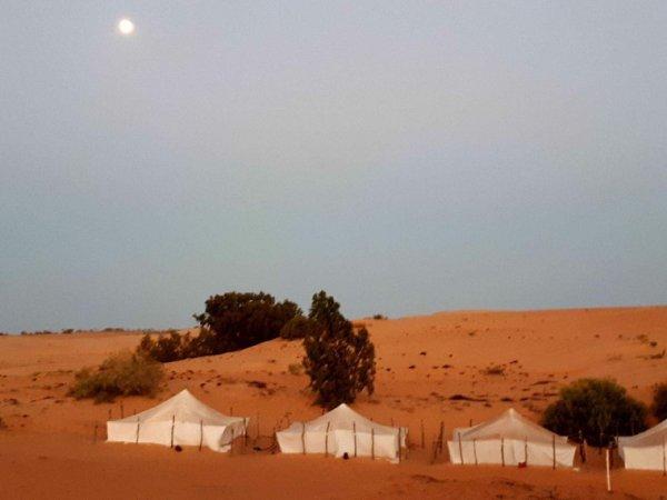Une magnifique nuit au désert de Lompoul au départ de Saly résidence les alizés