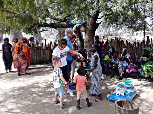 Nos chers hôtes du Royal baobab jet tours qui nous ont fait confiance pour découvrir le Sénégal authentique. Merci pour votre confiance et surtout de votre générosité. Un belle journée solidaire. Plein de beau sourire qui fait chaud au c½ur. Tu donnes et tu reçois.