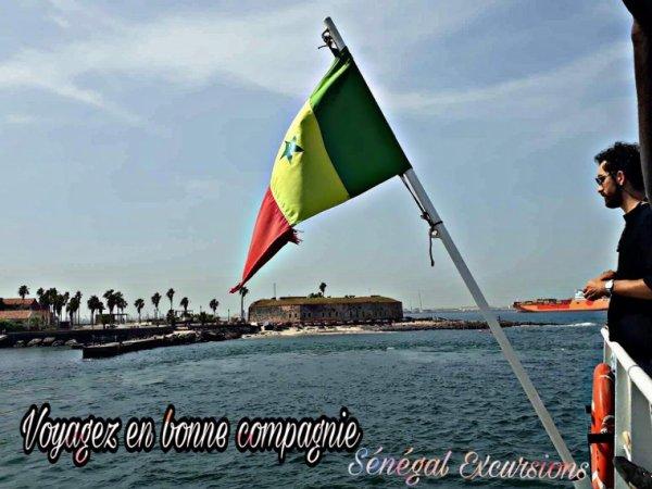 Une journée sur l'île de Gorée et la visite de Dakar au départ du Royal baobab jet tours en toute convivialité.