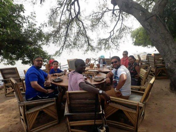 Un circuit en famille merci naima de nous avoir fait confiance pour une belle découverte du Sénégal dans la joie et le confort
