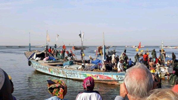 Mbour et son port de pêche une belle matinée au départ de l'hôtel filaos et du Royal baobab à ma Somone. Le Sénégal en parfaite harmonie