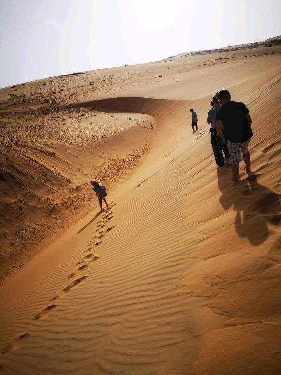 Une belle nuit au désert de lompoul. Vivez les meilleurs excursions au Senegal.