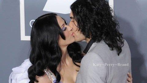 - - Rien ne va plus pour Katy Perry. Après les rumeurs sur son divorce d'avec Russell Brand, on dit aussi qu'elle est alcoolique. - -