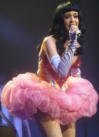 - - Katy Perry On : - -