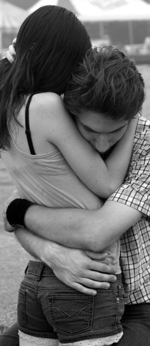 * «Il n'y a pas d'amour sans peine. Et pourtant, depuis l'aube du temps les gens s'aiment.» * Salvador Adamo. *