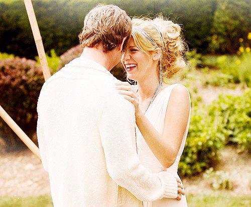 """* « L'amour est un """"Je"""" qui cherche un """"Tu"""" pour former un """"Nous"""" pour toujours.» * Web.*"""