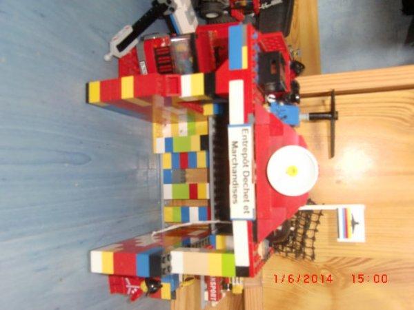 Mon Entrepôt De Déchet Et De Marchandises Lego