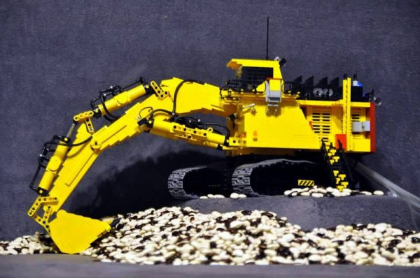 Grosse Pelleteuse Lego